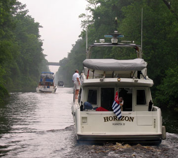Going up the Dismal Swamp Canal
